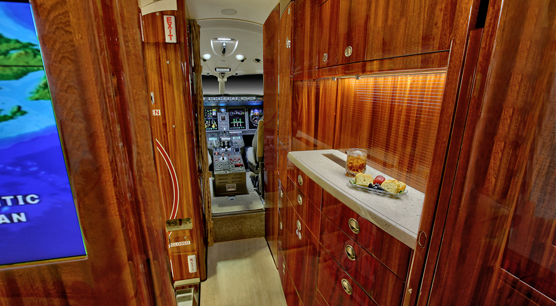 2013 CHALLENGER 300 For Sale